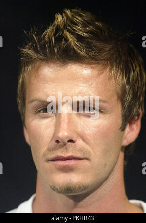 Umbro Kit Launch-Manchester-England. 23rd March, 2005. England captain David Beckham speaks at the press conference in the Lowry Hotel ahead of the World Cup qualifier with Northern Ireland on Saturday. Ref: LMK38-226JCAI-240305 Picture by Day/Landmark/ MediaPunch - Stock Photo
