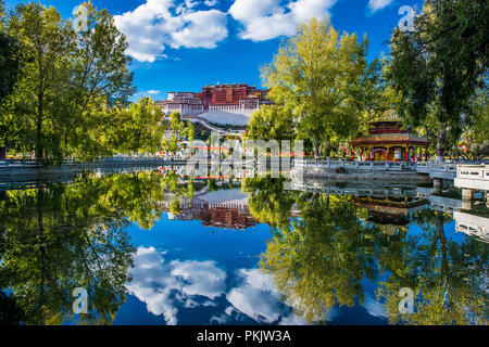 The potala palace in Lhasa in Tibet - Stock Photo
