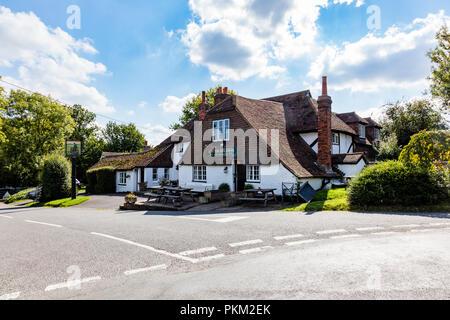 The historic 16th Century inn Kentish Rifleman, a traditional Free House pub in the Kent Village of Dunks Green near Tonbridge, Kent, UK - Stock Photo
