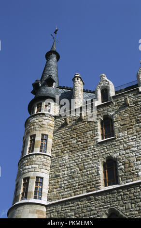 Casa Botines designed by architect Antoni Gaudi in Leon Spain now offices for Caja Espa–a Bank - Stock Photo