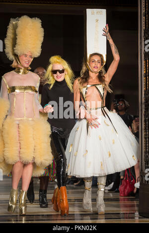London, UK.  14 September 2018.  Pam Hogg (C) with models after her presentation during Fashion Scout SS19, an off schedule show at Freemasons Hall in Covent Garden, on the opening day of London Fashion Week.   Credit: Stephen Chung / Alamy Live News - Stock Photo