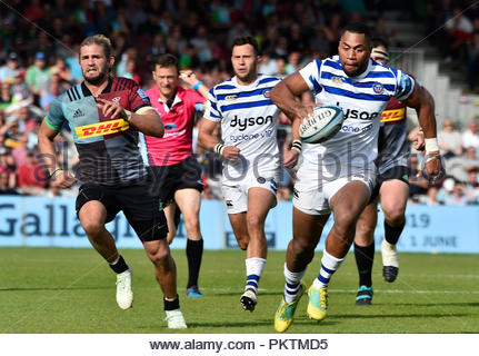 London UK 15th September 2018 AVIVA Rugby Premier League Harlequins v Bath at The Stoop Twickenham London UK General action during the match which was won by Bath 37-32 Credit: Leo Mason sports photos/Alamy Live News - Stock Photo