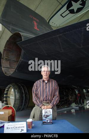 Rich Graham pilot of Lockheed SR-71 Blackbird spyplane jet, behind him. Colonel Richard Graham USAF United States Air Force. Book author on SR-71 - Stock Photo