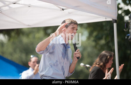 Texas, USA. 15th September 2018. News - Beto O'Rourke, Democrat, Texas, on the campaign trail in North Texas. O'Rourke is challenging Democrat incumbent Senator Ted Cruz, Republican, Texas, in the Fall 2018 midterm election. Credit: Shannon Drawe/Alamy Live News - Stock Photo