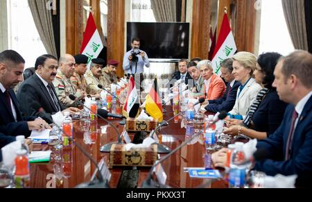 Bagdad, Iraq. 16th Sep, 2018. Ursula von der Leyen (CDU), Federal Minister of Defence, and the German delegation will be received by Al Hayali (2nd from left), Iraqi Defence Minister. The minister is in Baghdad for political talks. Credit: Kay Nietfeld/dpa/Alamy Live News - Stock Photo