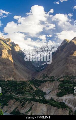 Karimabad, Hunza Valley, Gilgit-Baltistan, Pakistan : Sunrise over the Karakoram range and Hunza Valley in far north Pakistan, bordering with the Wakh - Stock Photo