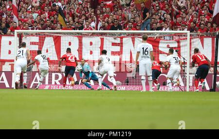firo: 15.09.2018 Fuvuball, Football: 1.Bundesliga FC Bayern Munich - Bayer 04 Leverkusen, Wendell, Bayer, Leverkusen, Penalty | usage worldwide - Stock Photo