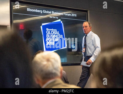 New York, USA, 17 September 2018.  Former New York city Mayor Michael Bloomberg arrives to a press briefing about the Bloomberg Global Business Forum 2018. Fifty heads of state from six continents are expected to attend the annual event, focused on strengthening global trade and economic alliances, which will be held on Sept. 26 alongside 73rd U.N. General Assembly.  Photo by Enrique Shore Credit: Enrique Shore/Alamy Live News - Stock Photo