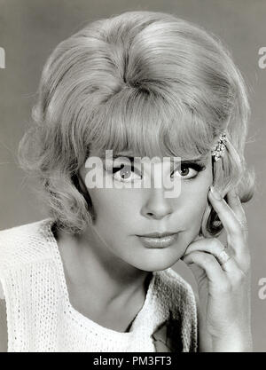 Elke Sommer 'The Money Trap' 1965 MGM  File Reference # 30732 182THA