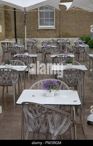 Cafe Table and Chairs, Gallery Mess, Saatchi Museum, Duke of York Square; Chelsea; London; England; U - Stock Photo