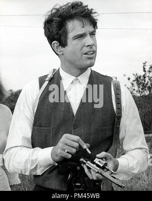 Warren Beatty,1967 'Bonnie and Clyde' Warner Brothers. File Reference #1045 001THA - Stock Photo