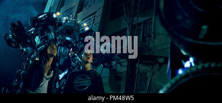 'Transformers' Megan Fox, Shia LaBeouf, Ironhide, Optimus Prime © 2007 Dream Works - Stock Photo