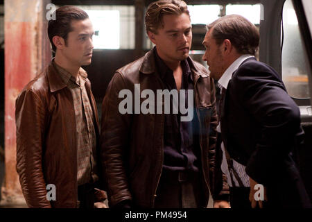 """(L-r) JOSEPH GORDON-LEVITT as Arthur, LEONARDO DiCAPRIO as Cobb, and TOM HARDY as Eames in Warner Bros. Pictures' and Legendary Pictures' sci-fi action film """"INCEPTION,"""" a Warner Bros. Pictures release. - Stock Photo"""