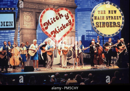Film Still / Publicity Still from 'A Mighty Wind' Cast © 2003 Castle Rock Photo Credit: Suzanne Tenner  File Reference # 30753085THA  For Editorial Use Only -  All Rights Reserved - Stock Photo