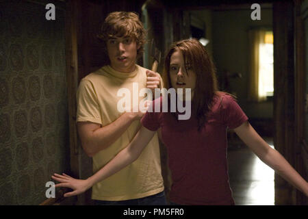 Studio Publicity Still from 'The Messengers' Dustin Milligan, Kristen Stewart © 2007 Screen Gems Photo credit: Takashi Seida    File Reference # 307381705THA  For Editorial Use Only -  All Rights Reserved - Stock Photo