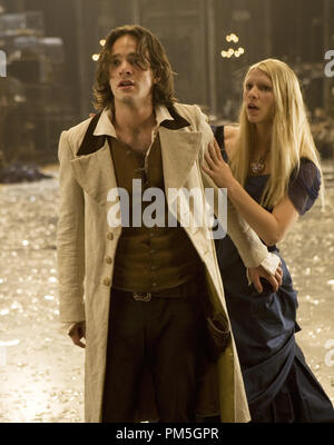 Film Still from 'Stardust' Charlie Cox, Claire Danes © 2007 Paramount Pictures Photo credit: David James   File Reference # 30738399THA  For Editorial Use Only -  All Rights Reserved - Stock Photo
