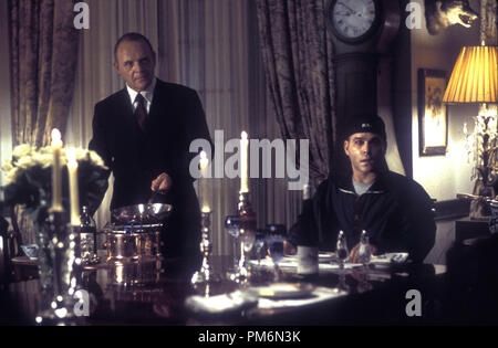 Film Still / Publicity Still from 'Hannibal' Anthony Hopkins, Ray Liotta © 2001 Universal / MGM Photo credit: Phil Bray  File Reference # 30847901THA  For Editorial Use Only -  All Rights Reserved - Stock Photo
