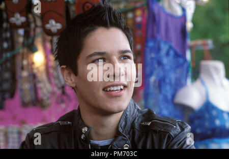 Film Still / Publicity Still from 'What a Girl Wants'  Oliver James © 2003 Warner Bros.  Photo Credit: Frank Connor  File Reference # 30753227THA  For Editorial Use Only -  All Rights Reserved - Stock Photo
