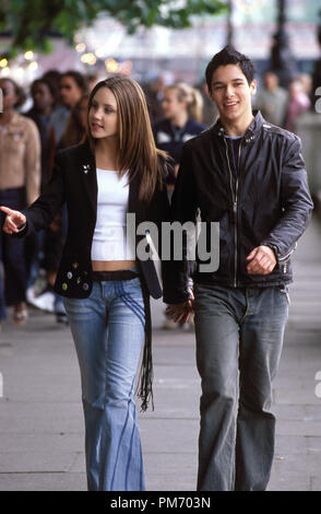Film Still / Publicity Still from 'What a Girl Wants'  Amanda Bynes, Oliver James © 2003 Warner Bros.  Photo Credit: Frank Connor   File Reference # 30753234THA  For Editorial Use Only -  All Rights Reserved - Stock Photo