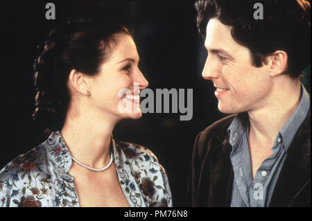 Film Still / Publicity Still from 'Notting Hill' Julia Roberts, Hugh Grant © 1999 Universal Photo Credit: Clive Coote   File Reference # 30973486THA  For Editorial Use Only -  All Rights Reserved - Stock Photo