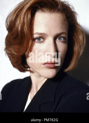 Film Still from 'The X-Files' Gillian Anderson  © 1998 Fox Broadcasting Company  File Reference # 30996062THA  For Editorial Use Only -  All Rights Reserved - Stock Photo