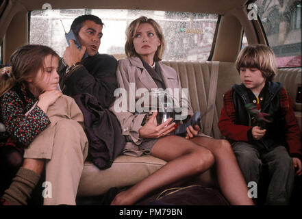 Film Still from 'One Fine Day' George Clooney, Michelle Pfeiffer, Mae Whitman; Alex D. Linz Photo Credit: Gema La Mana © 1996 20th Century Fox  File Reference # 31042307THA  For Editorial Use Only - All Rights Reserved - Stock Photo