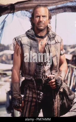 Film Still from 'Waterworld' Kevin Costner © 1995 Universal Pictures Photo Credit: Ben Glass  File Reference # 31043012THA  For Editorial Use Only - All Rights Reserved - Stock Photo