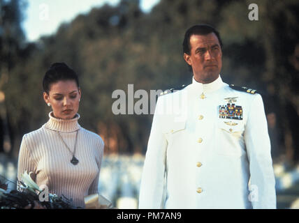 Film Still from 'Under Siege 2: Dark Territory' Katherine Heigl, Steven Seagal © 1995 Warner Brothers Photo Credit: Joel D. Warren   File Reference # 31043020THA  For Editorial Use Only - All Rights Reserved - Stock Photo