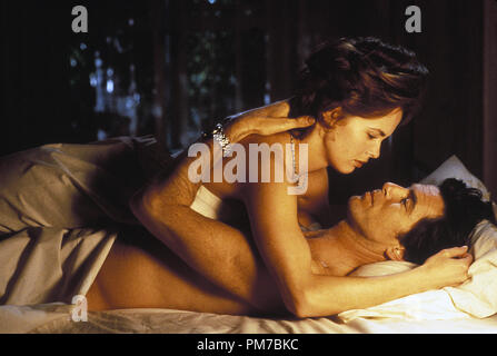 Film Still from 'GoldenEye' Izabella Scorupco, Pierce Brosnan © 1995 United Artists Photo Credit: Keith Hamshere   File Reference # 31043346THA  For Editorial Use Only - All Rights Reserved - Stock Photo