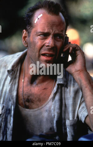 Film Still from 'Die Hard with a Vengeance' Bruce Willis © 1995 20th Century Fox Photo Credit: Barry Wetcher  File Reference # 31043471THA  For Editorial Use Only - All Rights Reserved - Stock Photo