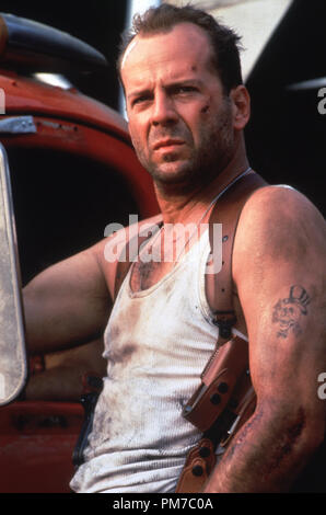 Film Still from 'Die Hard with a Vengeance' Bruce Willis © 1995 20th Century Fox Photo Credit: Barry Wetcher  File Reference # 31043472THA  For Editorial Use Only - All Rights Reserved - Stock Photo
