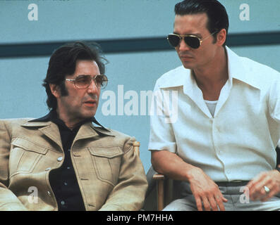 Film Still from 'Donnie Brasco' Al Pacino, Johnny Depp © 1997 Tri Star  File Reference # 31013368THA  For Editorial Use Only - All Rights Reserved - Stock Photo