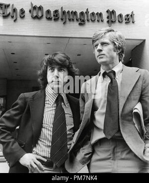 Robert Redford and Dustin Hoffman 'All the President's Men' 1976 Warner File Reference # 31202 976THA - Stock Photo