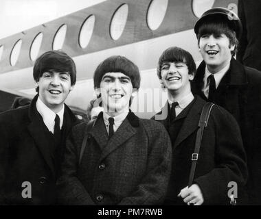 The Beatles, (left to right), Paul McCartney, George Harrison, Ringo Starr and John Lennon,1964. File Reference # 31386 462THA - Stock Photo