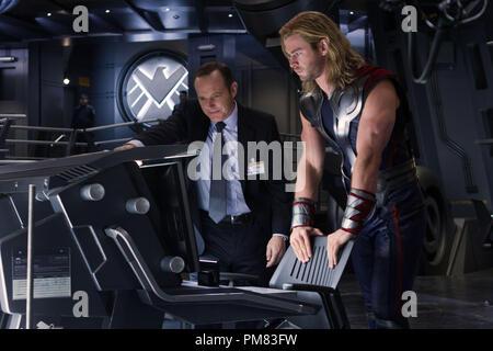 """Marvel's The Avengers"" L to R: Agent Phil Coulson (Clark Gregg) and Thor (Chris Hemsworth) Ph: Zade Rosenthal - Stock Photo"