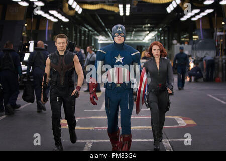 """Marvel's The Avengers"" L to R: Hawkeye (Jeremy Renner), Captain America (Chris Evans) & Black Widow (Scarlett Johansson) Ph: Zade Rosenthal - Stock Photo"