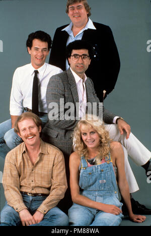 Studio Publicity Still from 'Splash' Director Ron Howard, Tom Hanks, John Candy, Eugene Levy, Daryl Hannah  © 1984 Touchstone Pictures  Photo Credit: Jean Pagliuso   All Rights Reserved   File Reference # 31706147THA  For Editorial Use Only - Stock Photo