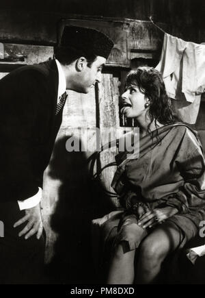 Peter Sellers and Sophia Loren, 'The Millionairess' 1960. File Reference # 31202_160THA - Stock Photo