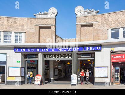 Uxbridge Underground Station, High Street, Uxbridge, London Borough of Hillington, Greater London, England, United Kingdom - Stock Photo