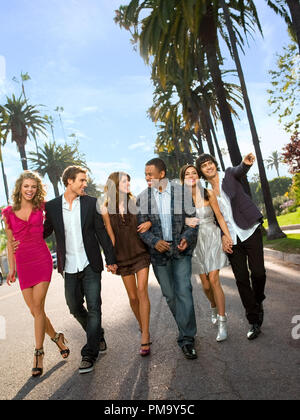 90210 Pictured: AnnaLynne McCord as Naomi, Dustin Milligan as Ethan, Shenae Grimes as Annie, Tristan Wilds as Dixon, Jessica Stroup as Silver, Michael Steger as Navid - Stock Photo