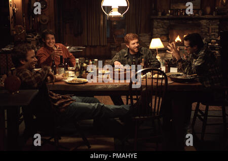 (L-r): THOMAS JANE, TIMOTHY OLYPHANT, DAMIAN LEWIS and JASON LEE in Castle Rock Entertainment's and Village Roadshow Pictures' supernatural thriller 'Dreamcatcher,' distributed by Warner Bros. Pictures. 2003 - Stock Photo