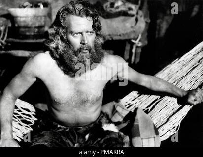 Dan O'Herlihy, 'The Adventures of Robinson Crusoe' aka 'Las Aventuras de Robinson Crusoe' (1954 Mexico) Producciones Tepeyac  File Reference # 33300 675THA - Stock Photo