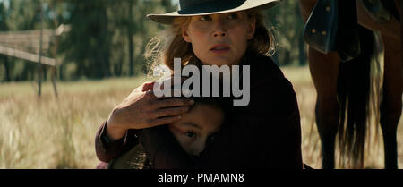 Rosamund Pike in Hostiles (2017) Entertainment Studios Motion Pictures - Stock Photo