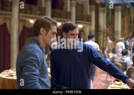 James Franco (left) and director Gus Van Sant (right) on the set of MILK, a Focus Features release.  'Milk' (2008) Focus Features - Stock Photo