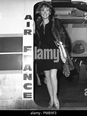 Petula Clark, 1967 © JRC /The Hollywood Archive - All Rights Reserved File Reference # 32557 744THA - Stock Photo