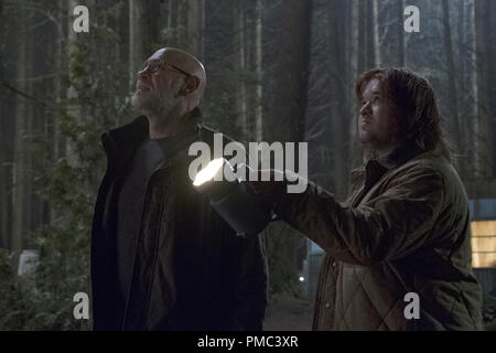 THE X-FILES:  L-R:  Mitch Pileggi and guest star Haley Joel Osment in the 'Kitten' episode of THE X-FILES on Fox. © 2018 Fox Broadcasting Co.  Cr:  Eric Millner/Fox - Stock Photo