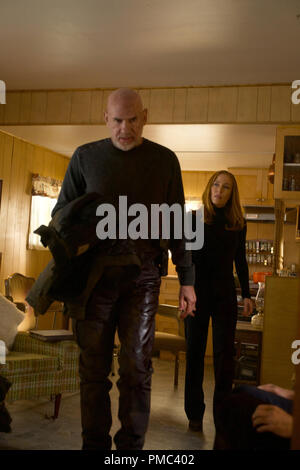 THE X-FILES:  L-R:  Mitch Pileggi and Gillian Anderson in the 'Kitten' episode of THE X-FILES on Fox. © 2018 Fox Broadcasting Co.  Cr:  Shane Harvey/Fox - Stock Photo