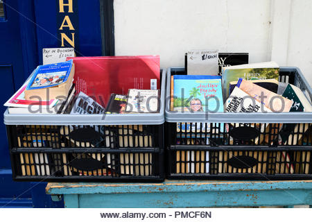 Secondhand books outside shop, East Street, Blandford, Dorset, England, UK - Stock Photo
