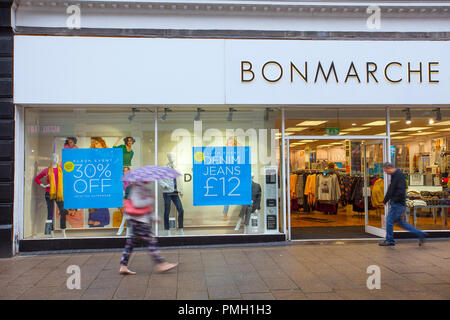 BonMarche fashion store Dundee, Scotland. UK Weather 18/09/2018.  Rainy start to the day in the city centre with heavy rain forecast for later in the day.  Credit; MediaWorldImages/AlamyLiveNews - Stock Photo