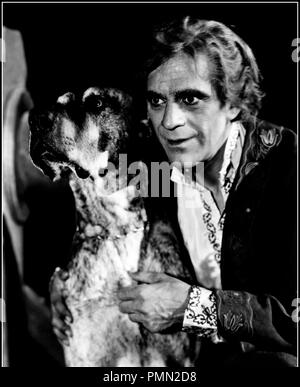 Prod DB © Columbia / DR LE BARON GREGOR (THE BLACK ROOM) de Roy William Neill 1935 USA avec Boris Karloff chien, folie - Stock Photo